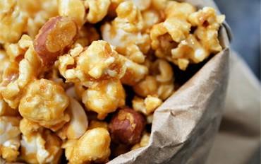 Crunchy Nutty Caramel Popcorn