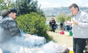 Barbecue at Kishon Park in Haifa