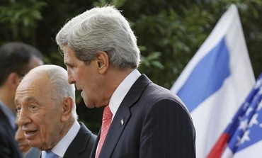 US Secretary of State John Kerry meets with President Shimon Peres in Jerusalem, May 23, 2013.