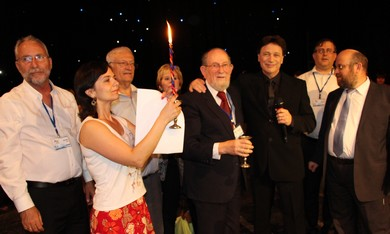 LIMMUD FSU conference participants celebrate havdala services on Saturday night in Vitebsk.