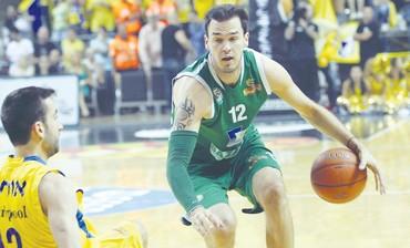 Maccabi Haifa's Pat Calathes