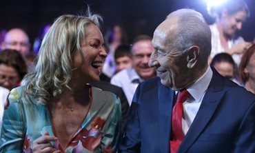 President Shimon Peres and Sharon Stone, 20 June 2013.