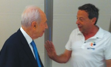 Peres meets with Maccabiah games chair Peled