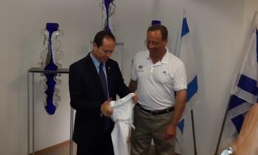 Nir Barkat gets ready for the Maccabiah.