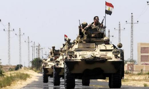 Egyptian soldiers move into El Arish, northern Sinai