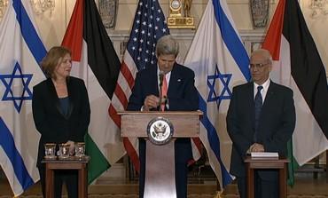 Kerry, Livni, Erekat in peace talks