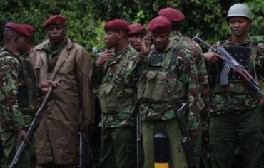 Kenyan policemen gathered for briefing at Westgate Shopping Center, September 23, 2013.
