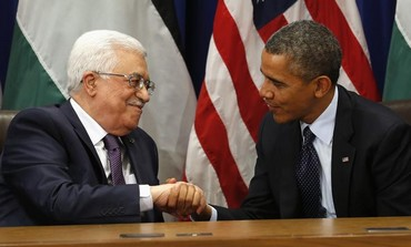 US President Barack Obama (R) meets with PA President Mahmoud Abbas, September 24, 2013.