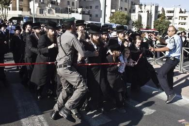 Mourning Rabbi Ovadia Yosef