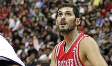 Houston Rockets forward Omri Casspi