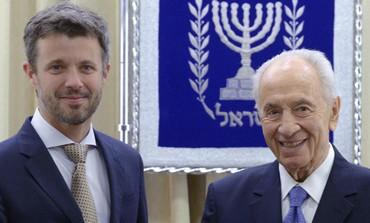 Crown Prince Frederik of Denmark with President  Shimon Peres 370