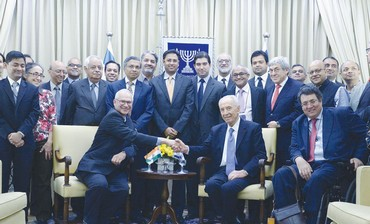 PRESIDENT SHIMON PERES and Indian business leaders meet at his residence in Jerusalem.