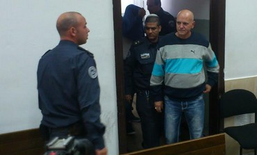 Eyal Golan's father Dani Biton in court November 24, 2013