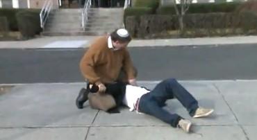 Rabbi Gary Moskowitz teaches self-defense in New York