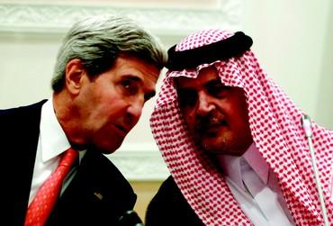 John Kerry et le Prince al-Saud, ministre des Affaires étrangères saoudien