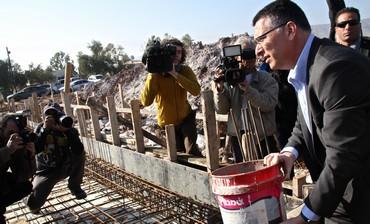 Interior Minister Gideon Sa'ar in the settlement of Gitit