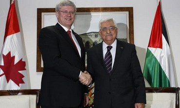 Canadian Prime Minister Stephen Harper and Palestinian Authority President Mahmoud Abbas in Ramallah