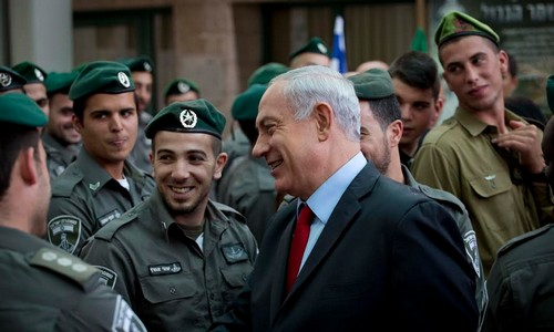 Prime Minister Binyamin Netanyahu meets Border Police, soldiers