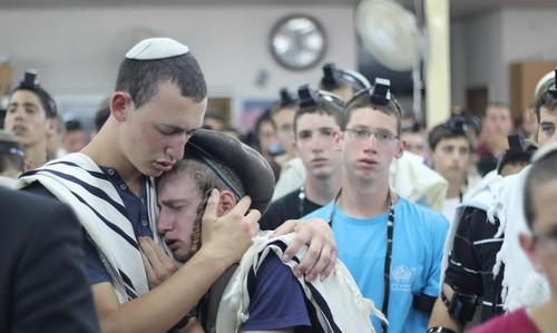 Prayer service for missing teens at Makor Chaim Yeshiva, June 15, 2014.