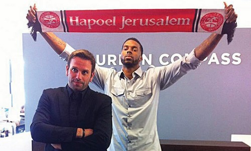 Hapoel Jerusalem co-owner Ori Allon (left) poses with the club's new signing Donta Smith
