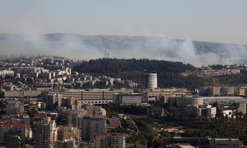 Fire rages in Ein Kerem forest