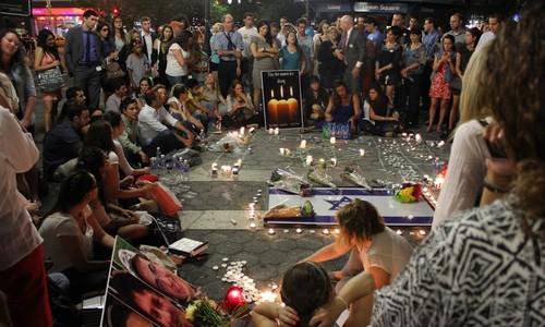 Manhattan vigil