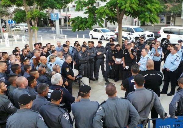Police prepping for Tel Aviv demonstration, July 19, 2014.