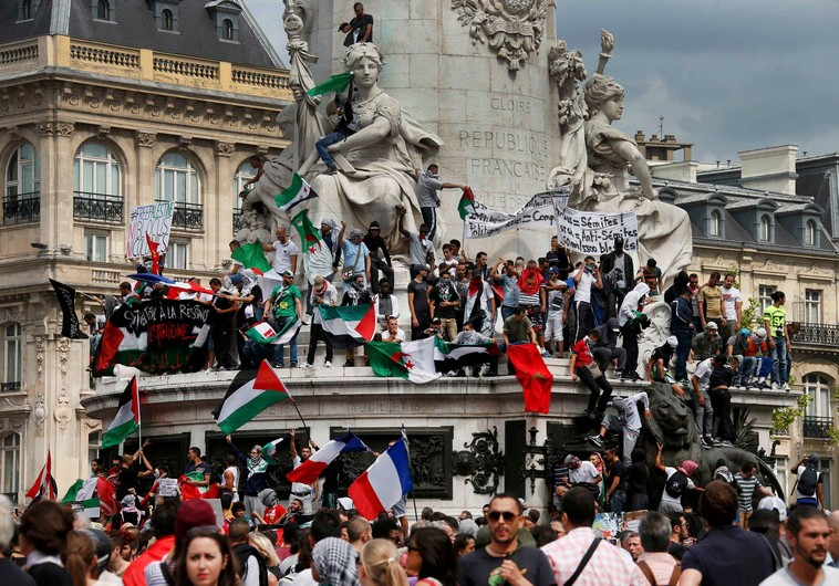 Protesters gather at Place de la Republique