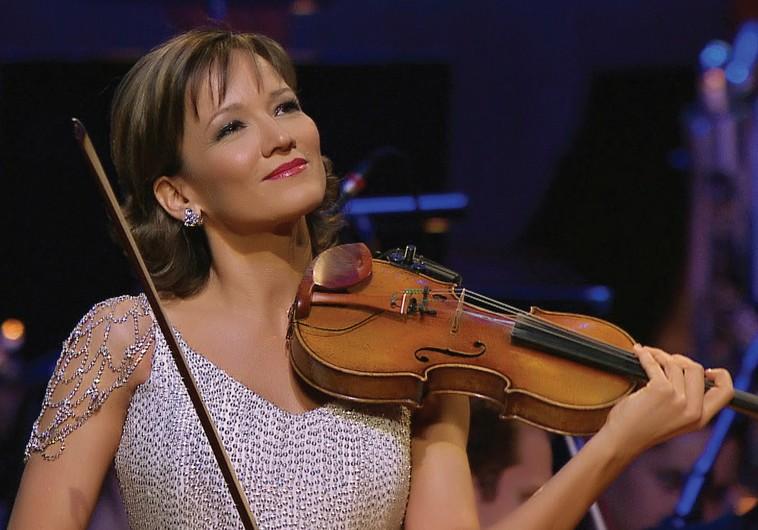 Violinist Katica Illenyi