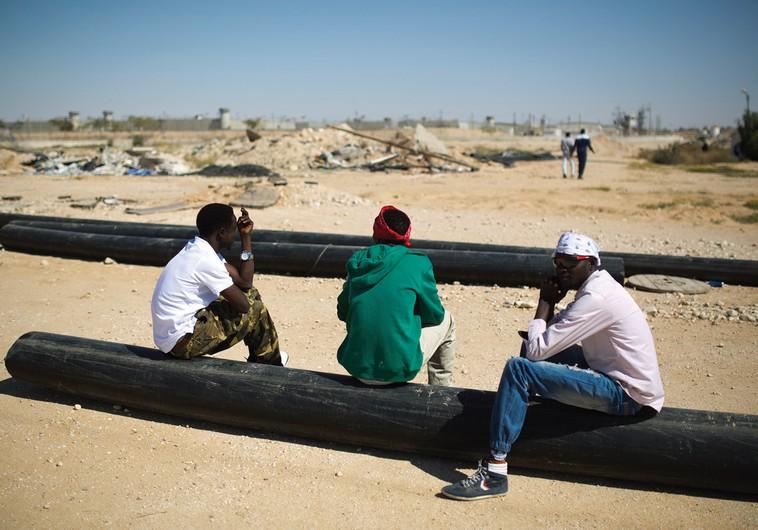 NGO: Israel forces migrants to choose between leaving for Rwanda or indefinite prison