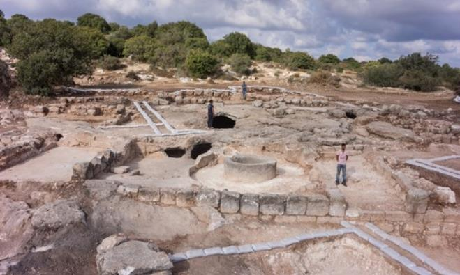 Archaeological dig near Beit Shemesh