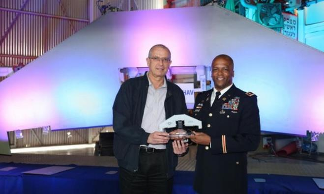 Lt.-Col. Allen Garrison and IAI CEO Joseph Weiss