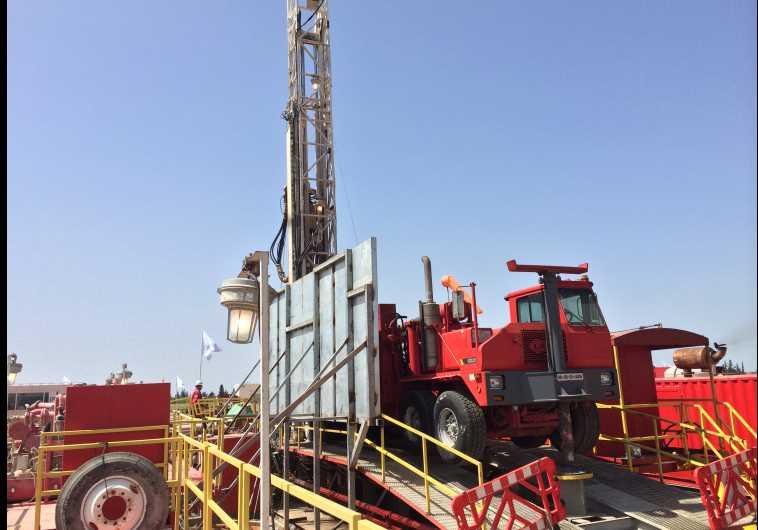 Golan oil rig (photo credit: SHARON UDASIN)