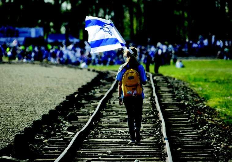 Lycéens en voyage à Auschwitz