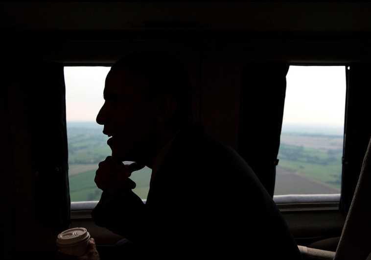 US President Barack Obama travels aboard Marine One