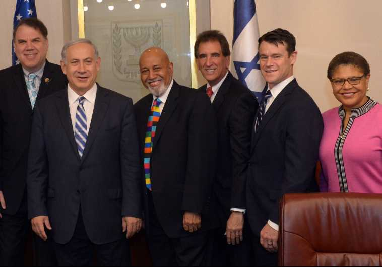 Prime Minister Benjamin Netanyahu meets with a bipartisan US Congressional delegation