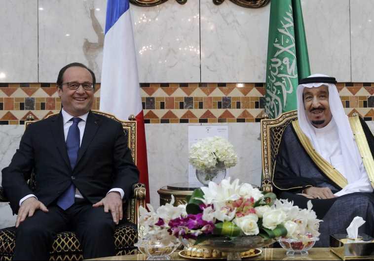 French President Francois Hollande and Saudi King Salman