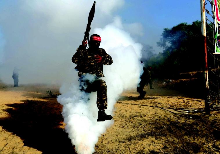 Les factions palestiniennes à l'entraînement
