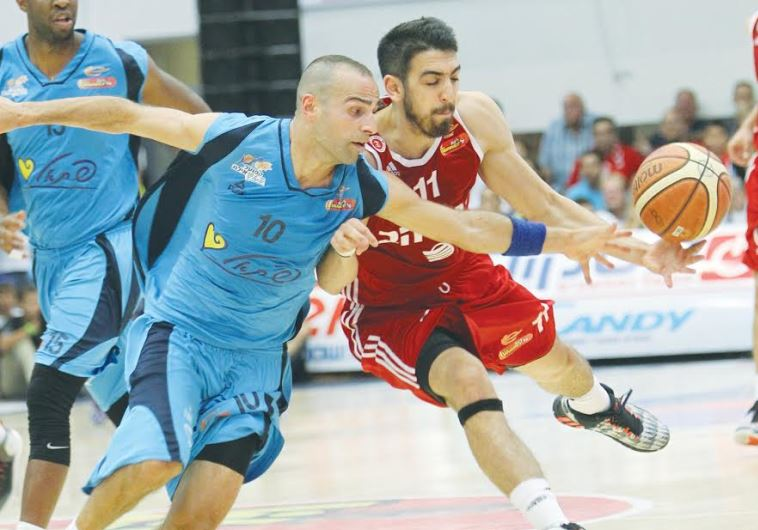 Hapoel Jerusalem's Bar Timor and Eilat's Afik Nissim