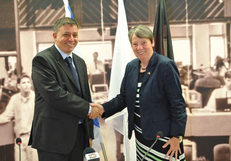 Environmental Protection Minister Avi Gabai with German Environment Minister Barbara Hendricks