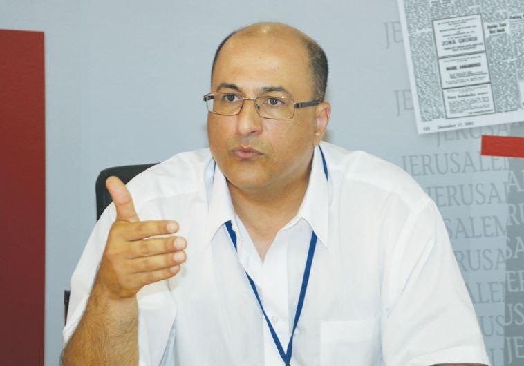 NEW YORK CONSUL-GENERAL Ido Aharoni meets with 'Jerusalem Post' staffers yesterday. (