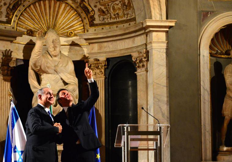 Prime Minister Benjamin Netanyahu (L) and Italian Prime Minister Matteo Renzi in Florence