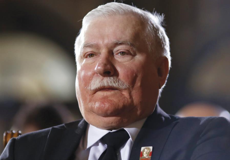 Lech Walesa attends a church service to commemorate former German President Richard von Weizsaecker