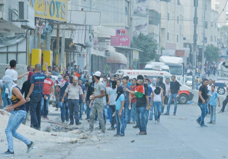 masked palestinians