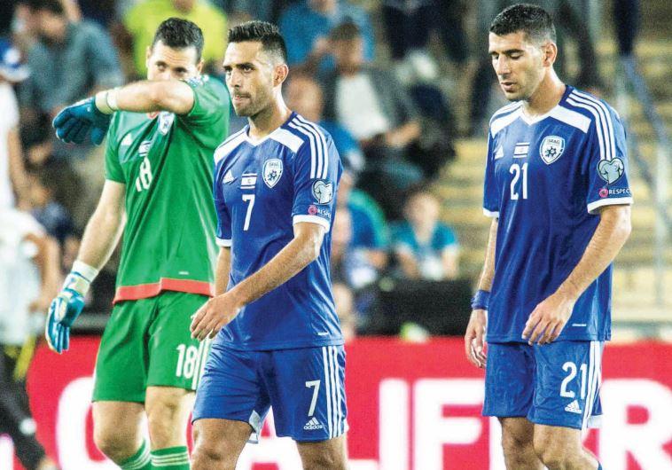Israel national team players Ofir Martziano (left), Eran Zahavi (center) and Eitan Tibi (right)