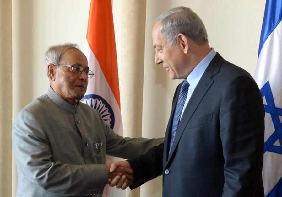 Indian President Pranab Mukherjee with Prime Minister Benjamin Netanyahu