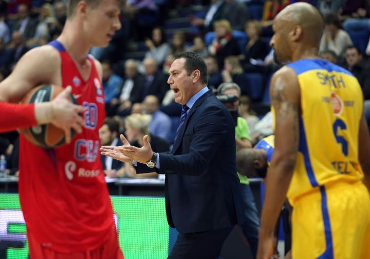 Maccabi Tel Aviv coach Guy Goodes (center) couldn't hide his frustration with his team's performance