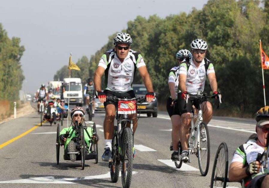 60 North American cyclists ride in North alongside IDF veterans
