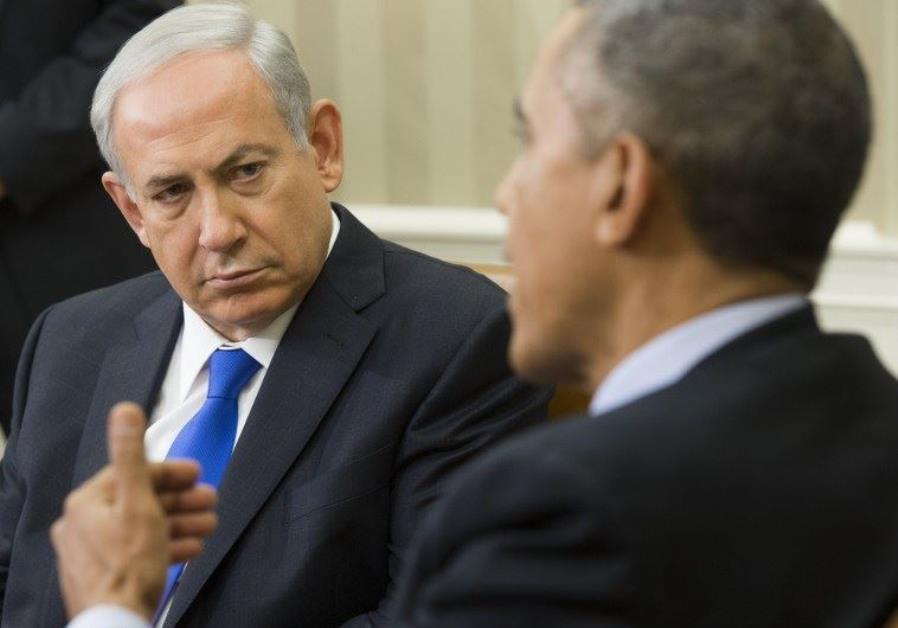 Prime Minister Benjamin Netanyahu (L) listens to US President Barack Obama in the Oval Office