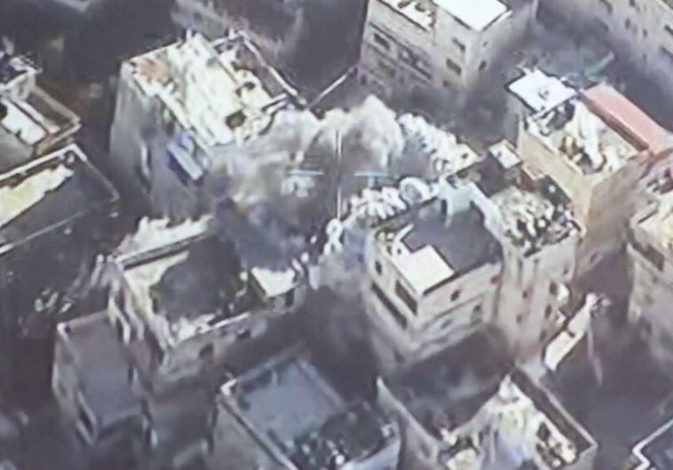 Aerial police photo of home demolition in east Jerusalem, December 2, 2015